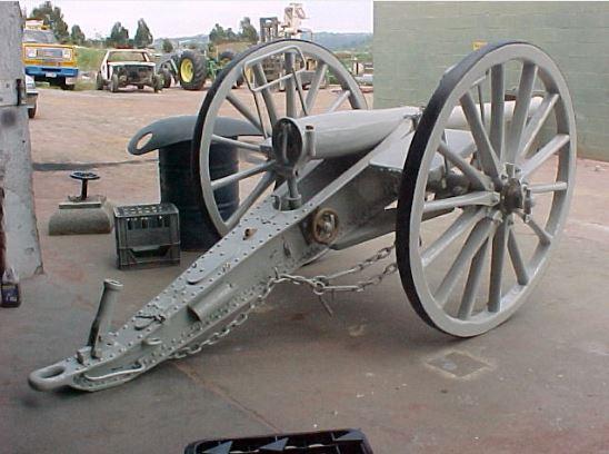 gun_under_repair_launceston_2002.JPG